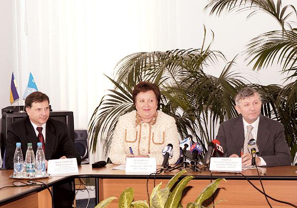 Зліва направо: Юрій Підпружников, Філя Жебровська та Віктор Рибчук