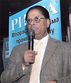 Господин Раман, первый секретарь посольства Индии вУкраине