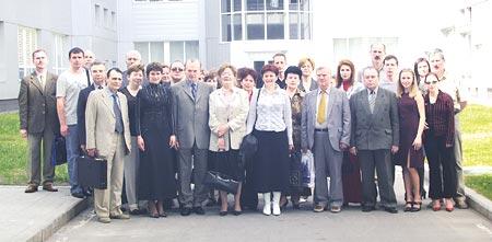 Участники конференции вовремя визита на«Фармацевтическую фирму «Дарница»