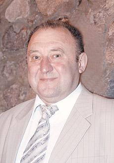 Володимир Синяк, голова ради Рівненської фармацевтичної асоціації, голова правління ВАТ «Рівнефармація»