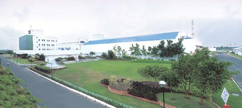 Завод вг. Ахмедабад, штат Гуджарат — одно из крупнейших фармацевтических предприятий Азии, основной производитель препаратов «Зайдас Кадила», экспортируемых вУкраину.