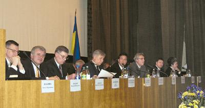 У засіданні колегії взяли участь представники уряду та МОЗ України, народні депутати, науковці та освітяни