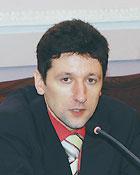 Доктор юридичних наук, завідувач кафедри теорії держави і права Національної академії прокуратури України Семен Стеценко