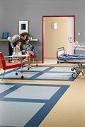 Какими должны быть напольные покрытия для медучреждений