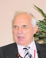 Профессор Г.Кнышов