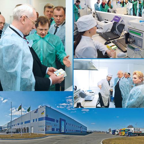 Николай Азаров проверил работу лаборатории поконтролю качества лекарственных средств