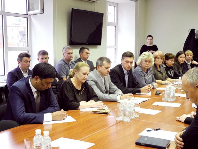 Совместное совещание руководства Государственной службы Украины полекарственным средствам иотечественных фармацевтических предприятий-производителей.