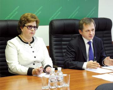 Светлана Бунина (исполнительный директор ООРММПУ) иАлексей Соловьев (председатель Гослекслужбы)