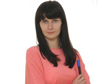 Юлия Клименюк, практик-маркетолог сопытом работы более 15 лет внациональных илокальных розничных сетях (от категорийного менеджера до директора направления), эксперт повопросам аптечного ритейла, руководитель отдела маркетинга Аптечной сети 9-1-1
