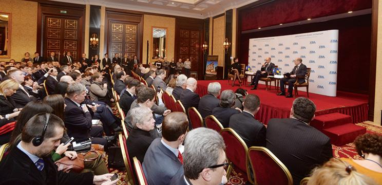 Арсеній Яценюк зустрівся з бізнесом: обговорено дії Уряду для подолання економічної кризи