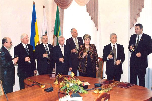 Заособливі заслуги перед українським народом