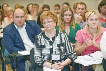 Експерти обговорили ситуацію зринковим наглядом вУкраїні