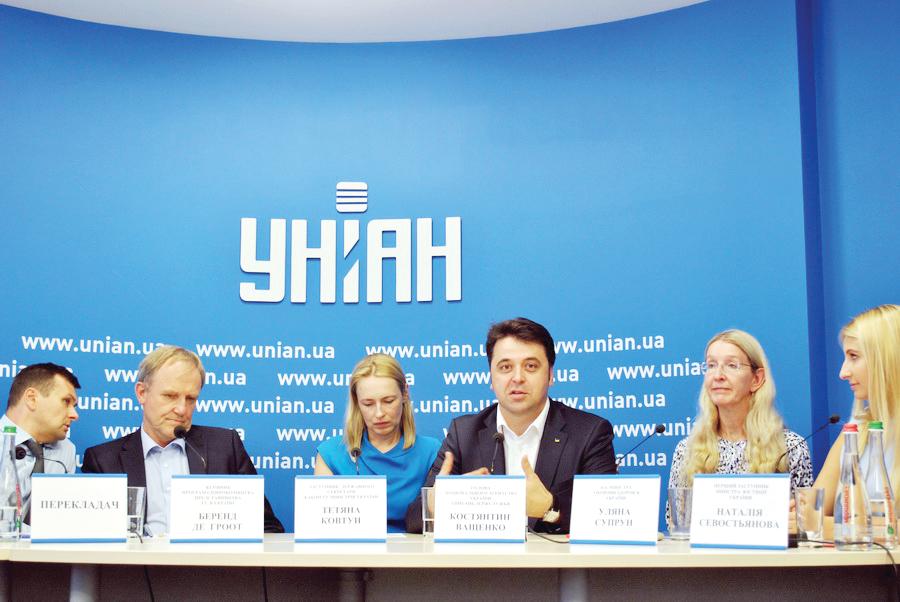 Кадрова революція: вУряді обіцяють 50–70 тис.грн. новим реформаторам