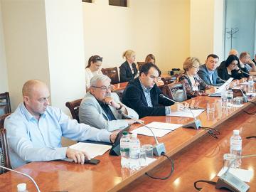 Що бентежить вітчизняну фармацевтичну промисловість? Відбулося засідання ООРММП України
