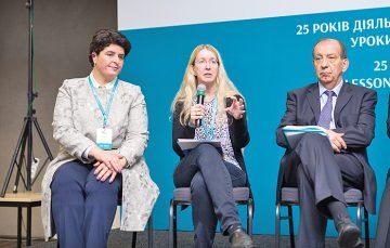 Чверть століття назахисті безпеки та ефективності ліків: святкування 25-річчя діяльності ДЕЦ