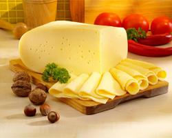 Почему полезно ежедневно есть сыр?