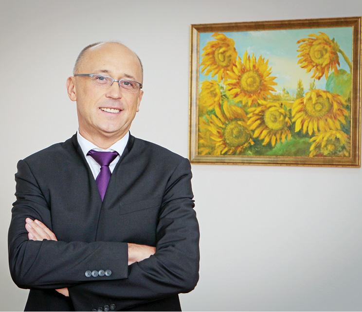 Валерий Кондрук: «Чтобы вынырнуть из-под кризисной волны, нужно ухватиться заопору. Такой опорой для аптечных сетей должен стать надежный дистрибьютор»