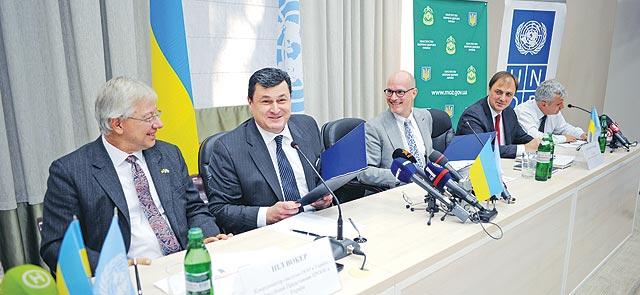 Шаг вперед: МЗ Украины иПРООН подписали договор о предоставлении услуг позакупкам лекарств