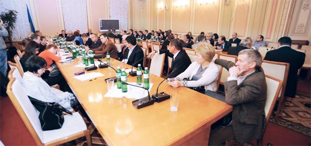 Регулювання обігу ліків тафармацевтичне самоврядування: профільний комітет запрошує ринок доспівпраці