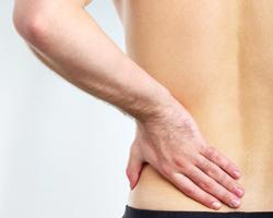 Боль в левой лопатке отдающая в спину