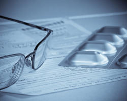 Лікарі можуть виписувати рецепти набланках старого зразка до1 липня: роз'яснення МОЗ